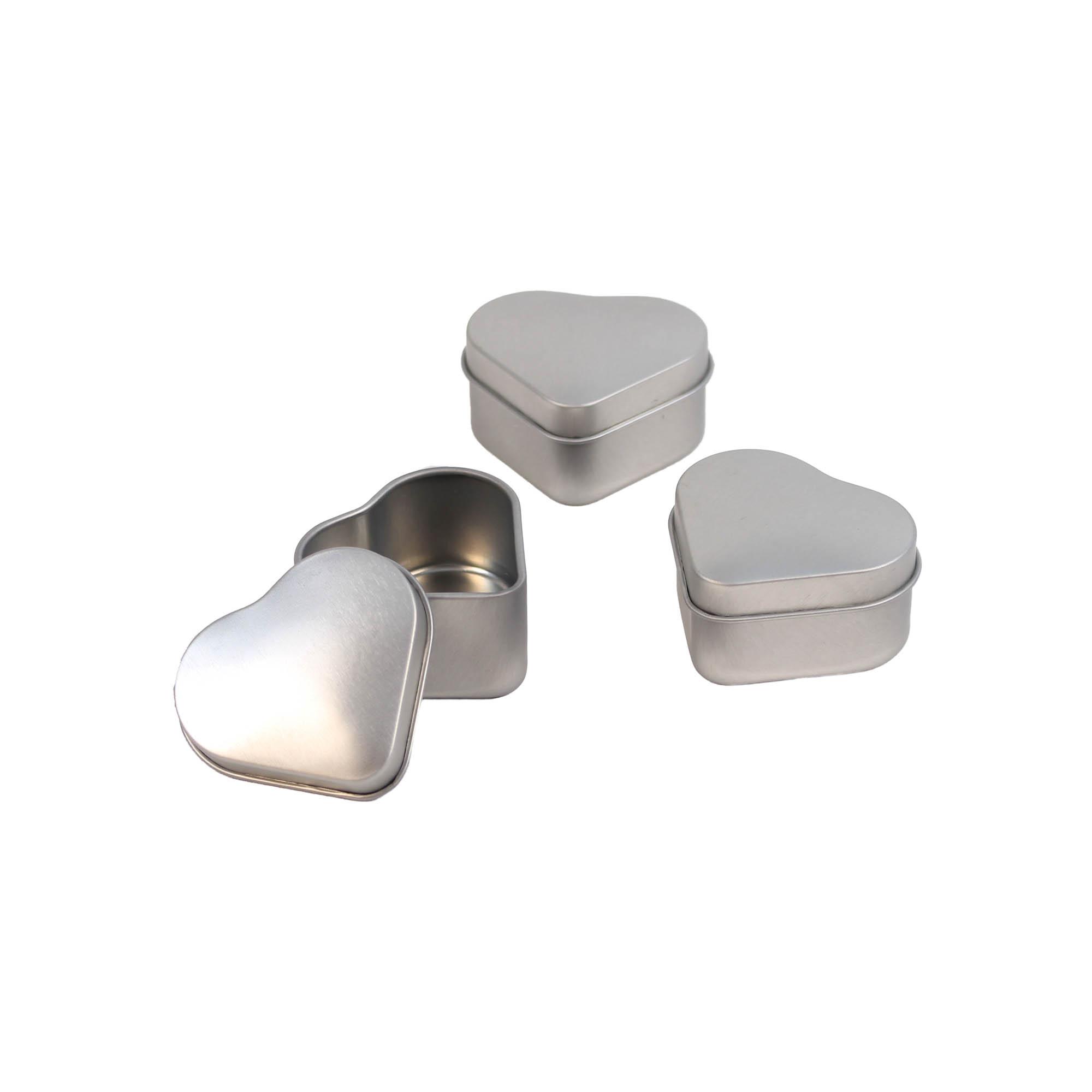 Mini Blechdose mit Deckel Herz, silber, ca. 4,7 x 4,2 x 2